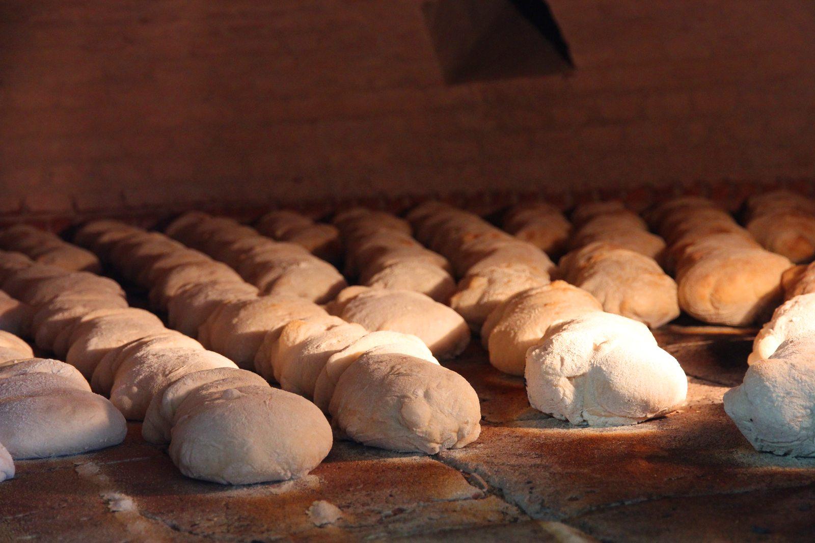 Pão-de-Mafra-Forno-de-Lenha